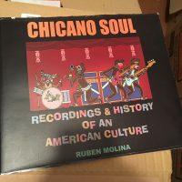 チカーノ・ソウル・ファン必携の一冊、ルーベン・モリーナ著『CHICANO SOUL』の日本語翻訳版出版プロジェクトのクラウド・ファンディングが、宮田信さん(MUSIC CAMP / BARRIO GOLD RECORDS […]