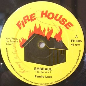 12 / FAMILY LOVE / EMBRACE